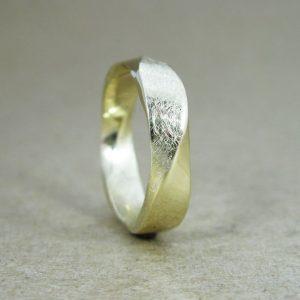 18k Mens wedding Ring, Mobius Wedding band