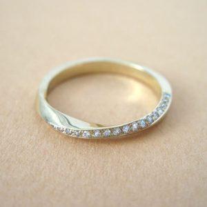 18k Mobius diamond ring, Diamond eternity ring