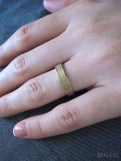 Delicate textured gold wedding band - 14k modern gold band - shiny & matt finish - stackable - timeless - unique - for her or him