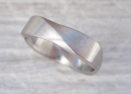 Matte Mobius wedding ring, 6mm wide mobius Matte  wedding band