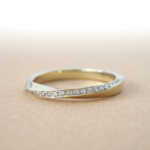 Mobius diamond ring, Diamond mobius ring