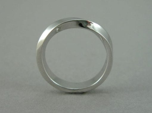 Mobius Wedding Band, 4mm Mobius Wedding Ring