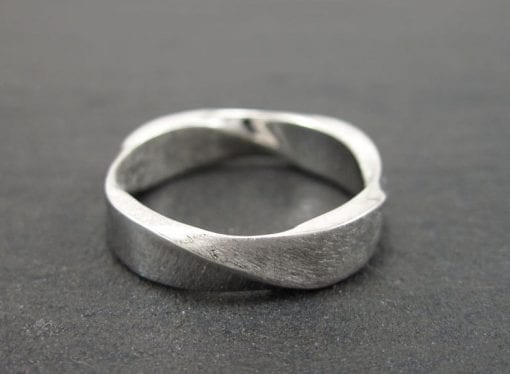 Mobius Wedding band, 5mm Mobius Ring In 18k White Gold