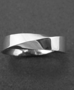 Mobius wedding band, modern 6mm wide mobius wedding band