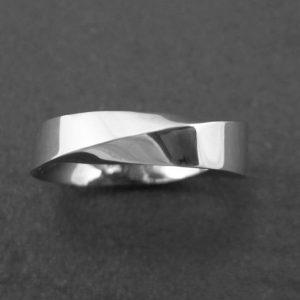 Mobius wedding band, modern 6mm wide mobius wedding band