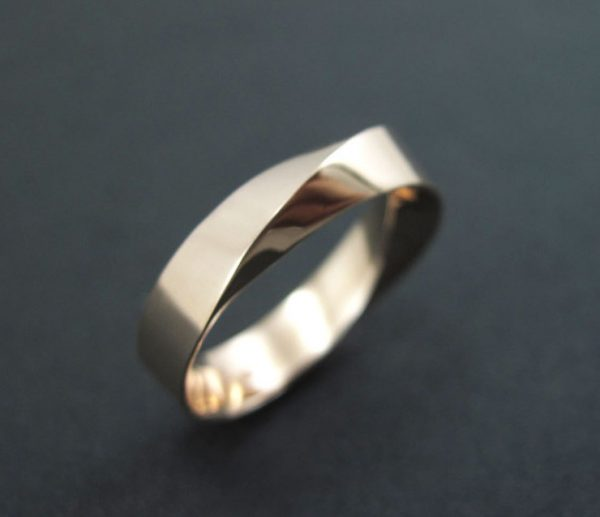 Mobius wedding ring 14k/18K Gold, 6mm wide mobius wedding band