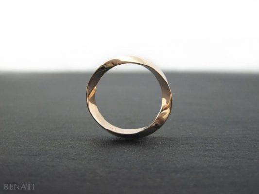 Mobius wedding ring 14k/18K Gold, 6mm wide mobius wedding band