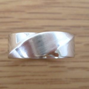 Mobius Wide wedding band, 8mm mobius wedding band