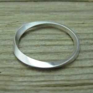 Wedding mobius stacking ring, 2mm Mobius wedding band