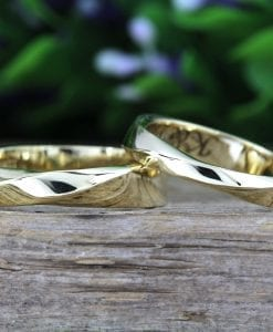Mobius Wedding Band Set, High Polished Wedding Set
