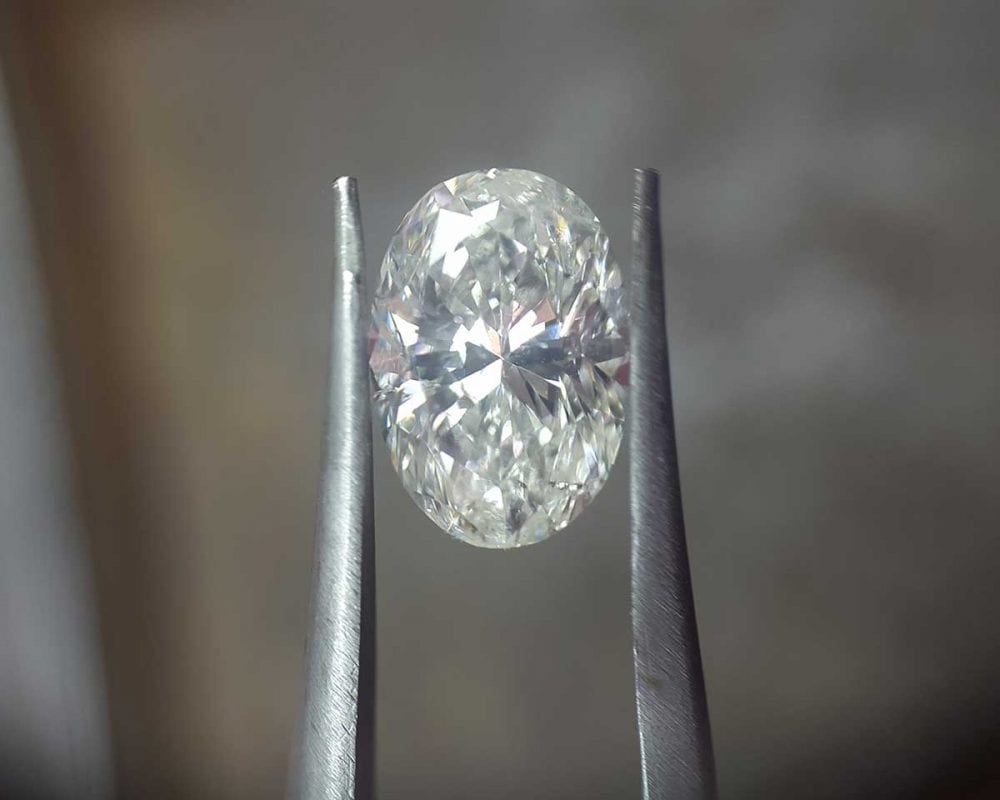 oval lab grown diamond
